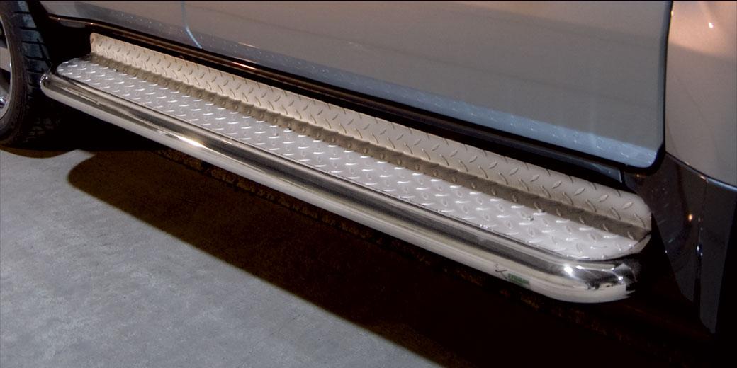 Stigtrinn Ø 70mm, m/metallplate, Toyota LAND CRUISER V8, mod. 2012->2016