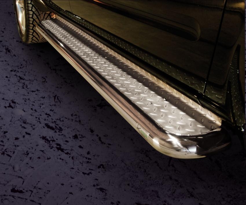 Stigtrinn Ø 70mm, m/metallplate,  Nissan Pathfinder, mod. 2010->